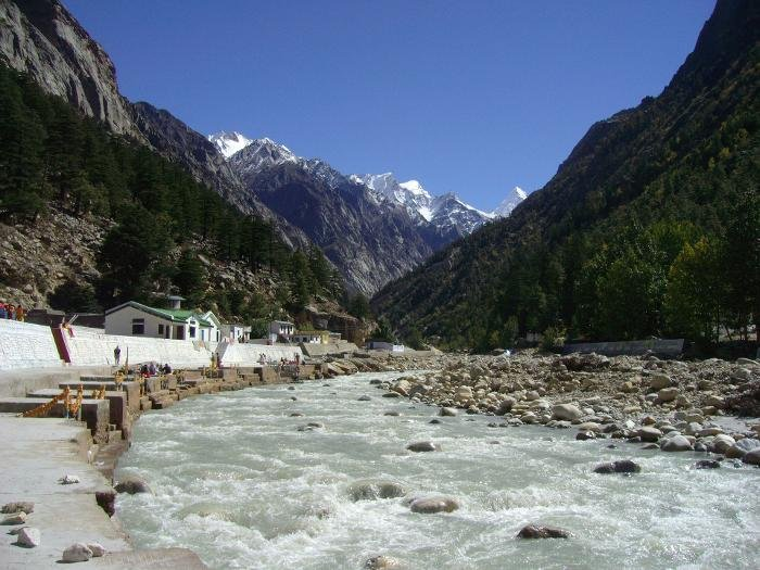 India_bhagirathi_river_at_gangotri